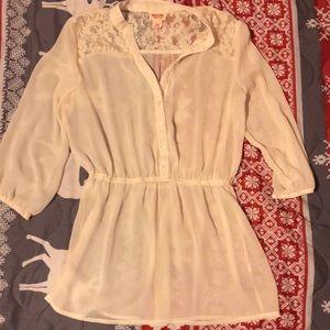 Tops - Medium ladies blouse